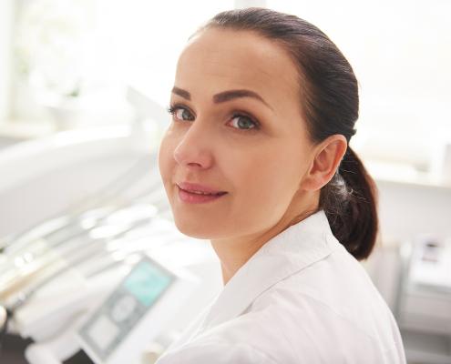 Zahnärztin in der Praxis BWL in der Zahnmedizin Webinar